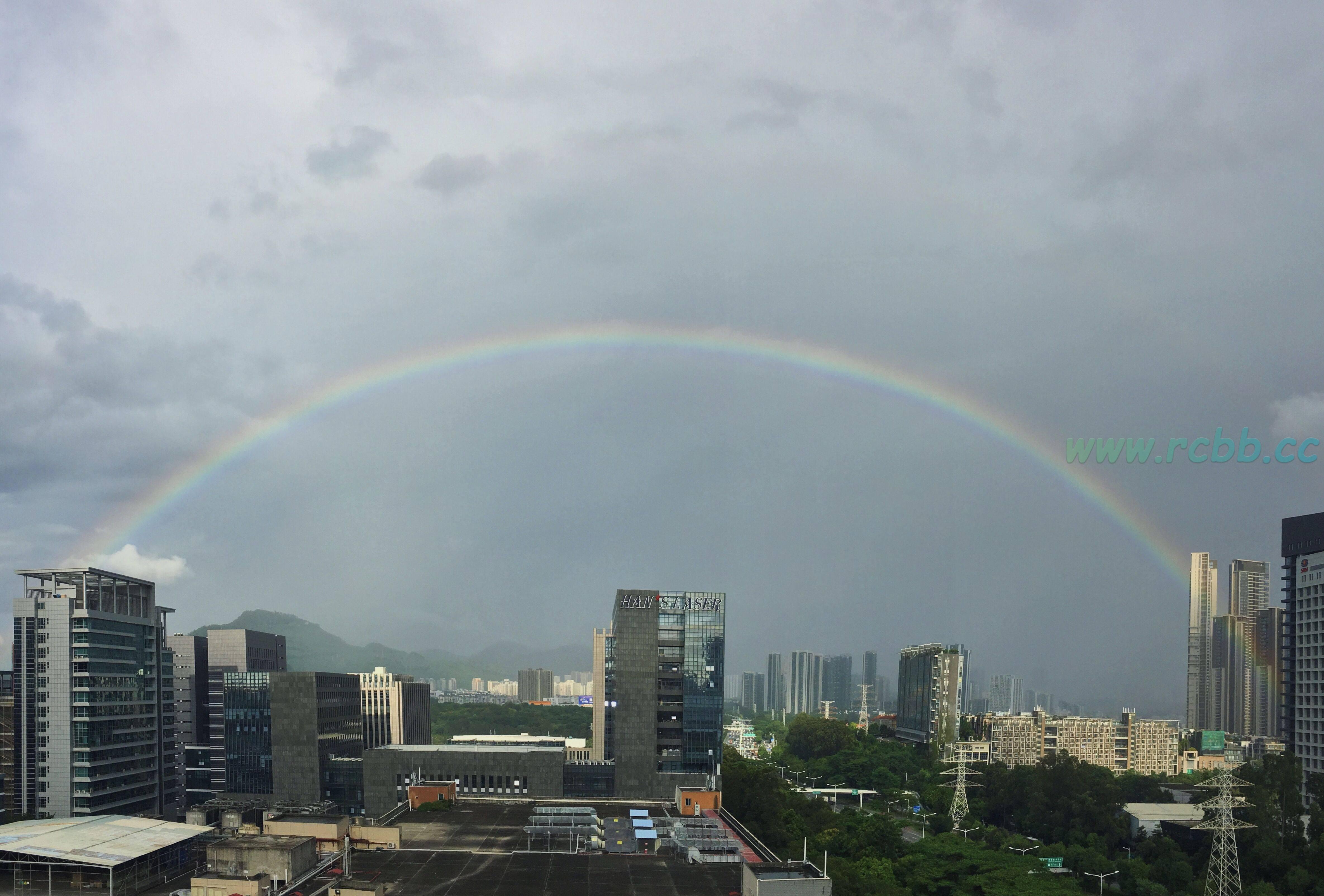 今日份的彩虹